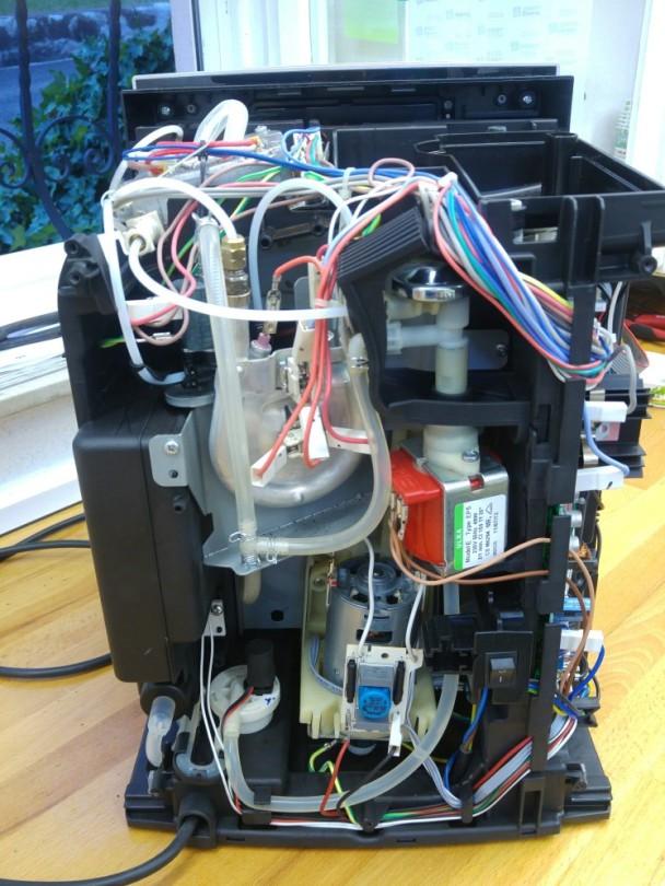 Reparatur einer offenen De Longhi Maschine in Böblingen