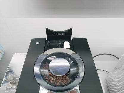 Jura Z10 Kaffeevollautomat mit WLAN