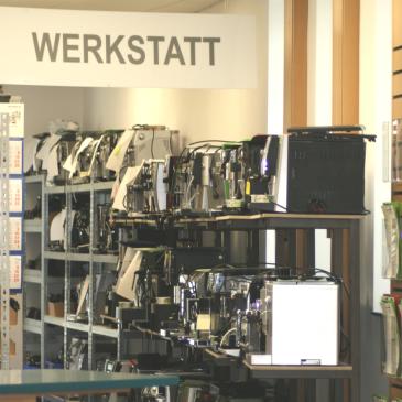Auf die Reparatur in Esslingen wartende Kaffeevollautomaten bei Caffista